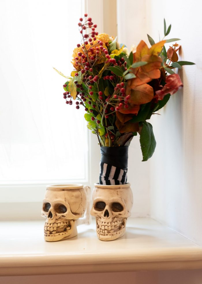 Halloween bouquet with black band.