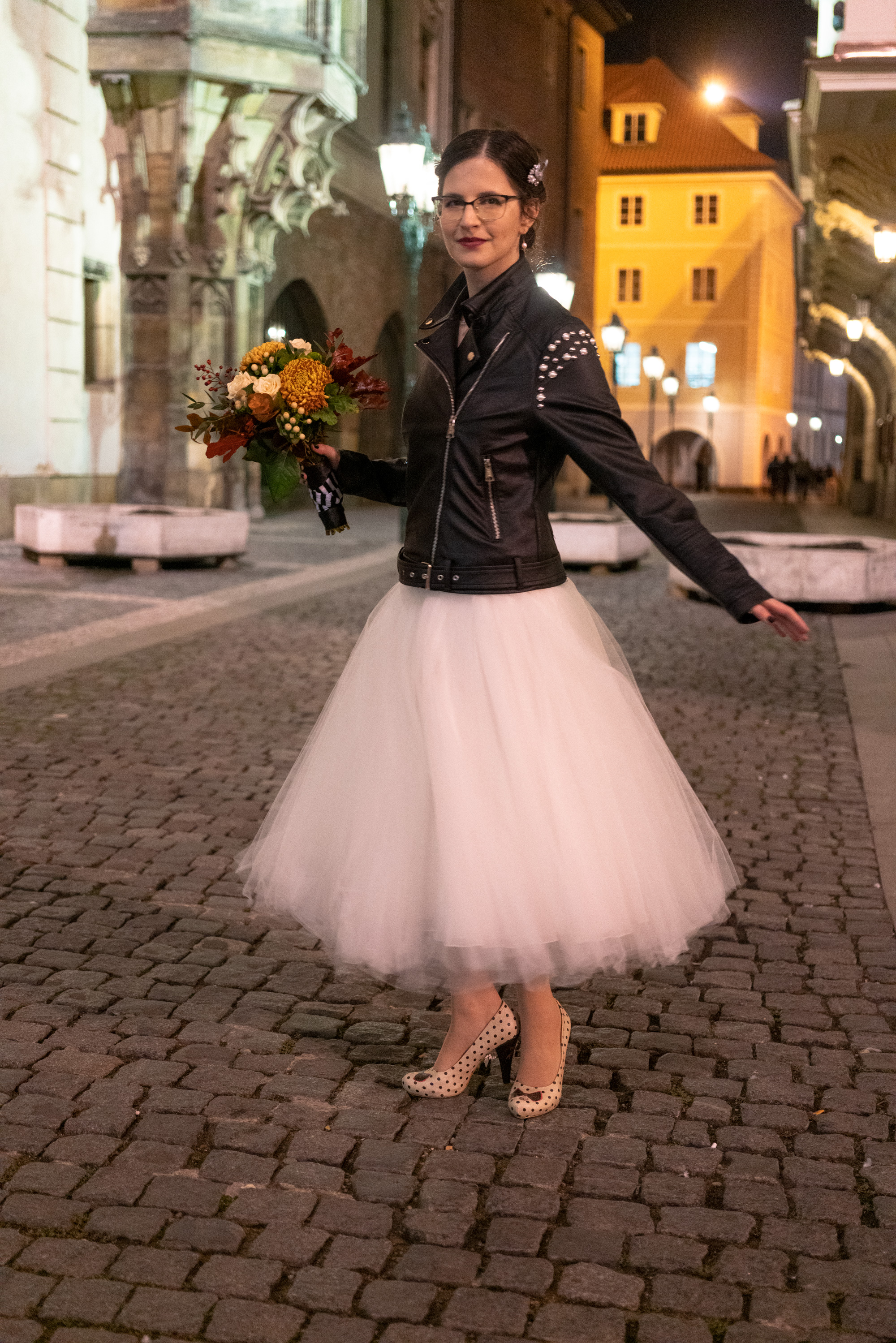 Tulle skirt with bride at night